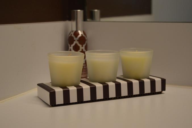 Fancy candels with fancy room spray.